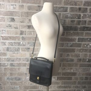 COACH Vintage Willis Station 9927 Crossbody Purse